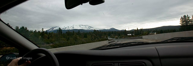 mt shasta in the clouds