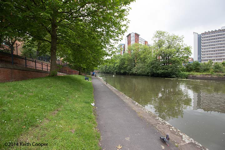 view along the canal at Leicester