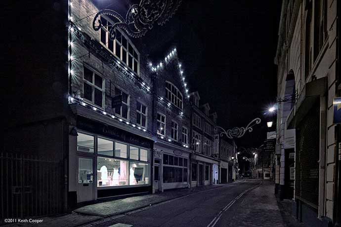 night view of street