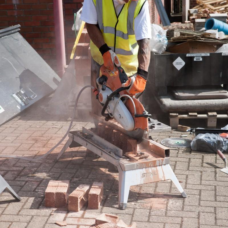 Cutting bricks to size