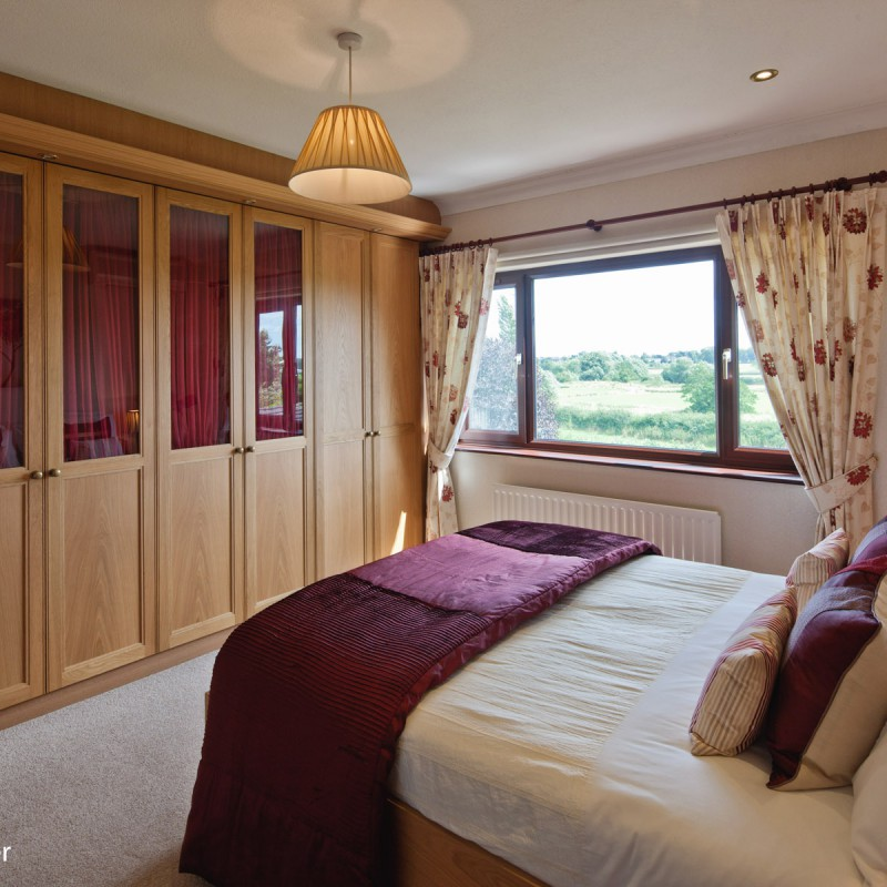 Bedroom and fitted furniture