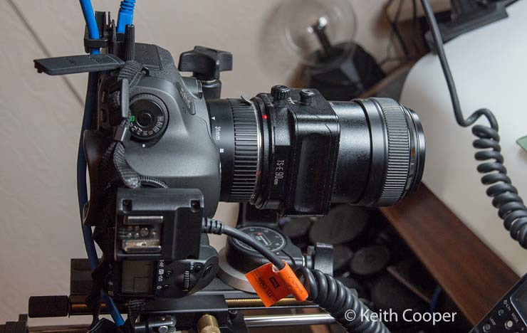 camera with extension tube